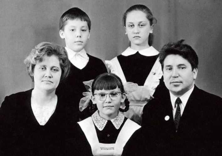Жена музыканта Елена Маликова  возраст жены дмитрия маликова